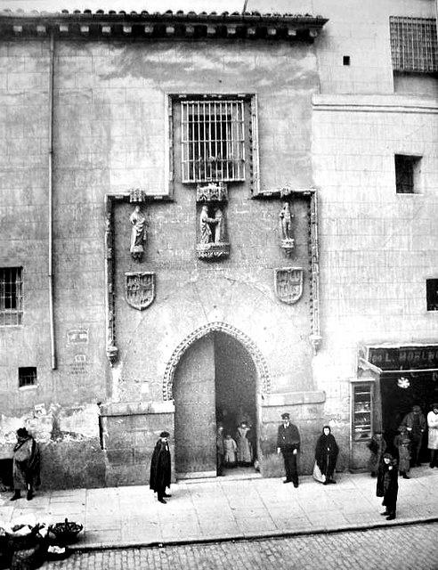 Fachada del Hospital de La Latina