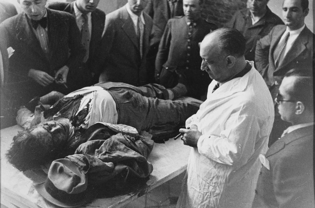 Cadáver de Calvo Soltelo. Foto por Alfonso Sánchez Portela. 1936.