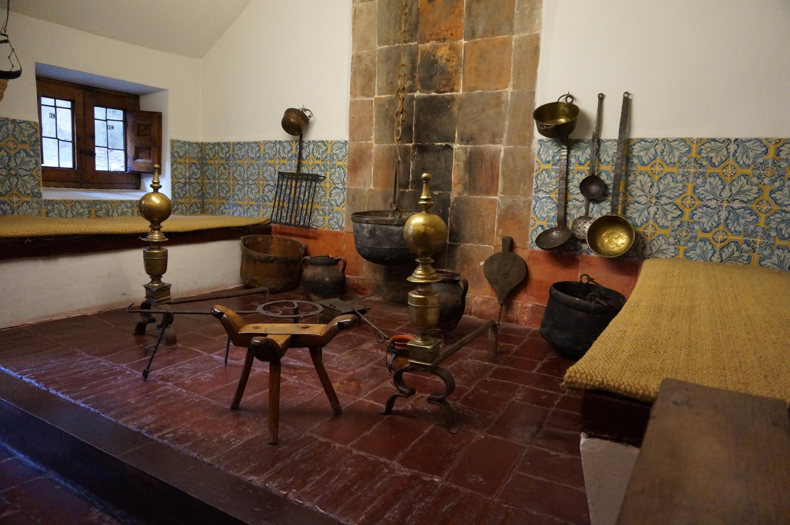 Cocina de la Casa de Cervantes en Valladolid. Recreada según los textos de la época.