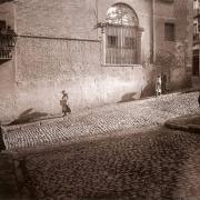 Fotografía antigua de la Costanilla de San Pedro.